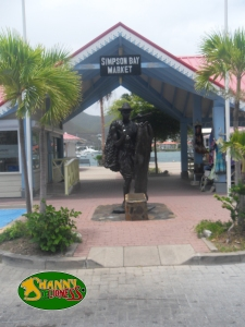 Simpson Bay Market Entrance