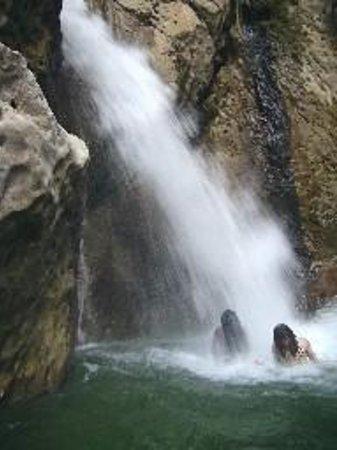 cane-river-falls
